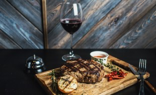 What Are The Best Cabernet Sauvignon Food Pairings? | SommelierQA.com