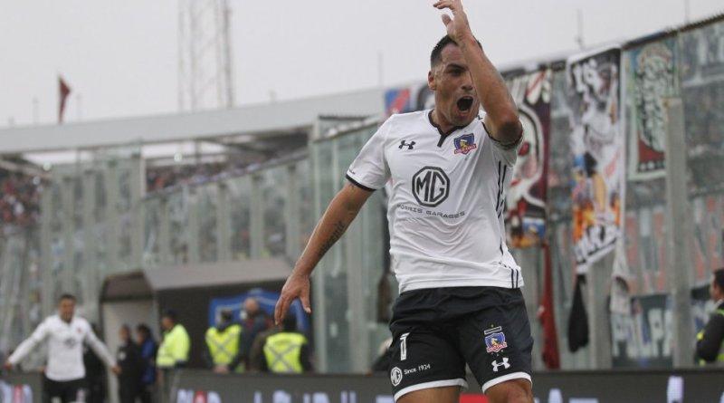 Esteban Paredes celebrando su gol 211 | Colo Colo / Photosport