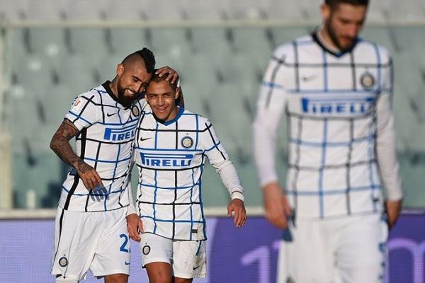 Arturo Vidal marcó en la clasificación del Inter