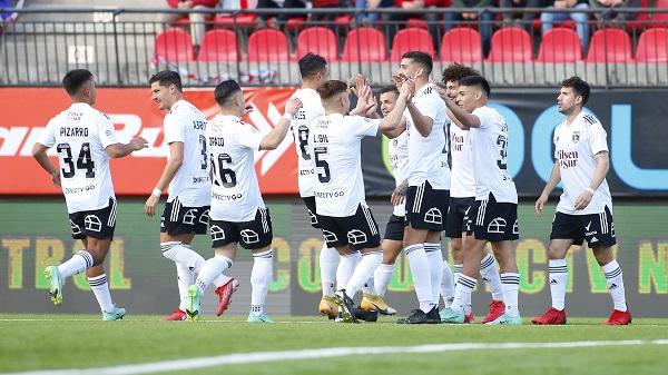 El plantel se compromete para el resto del Campeonato. Créditos: Colo Colo Oficial / Sebastián Órdnees