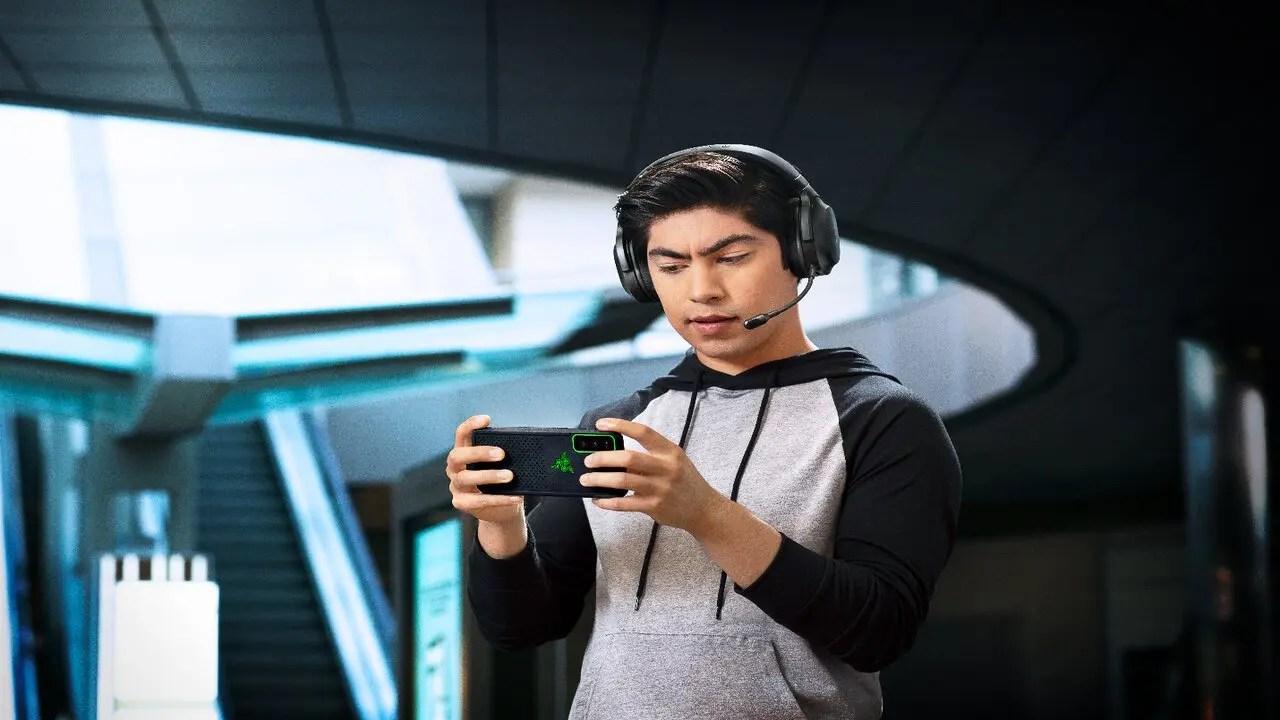 Razer presents its new Barracuda X 3 wireless headphones