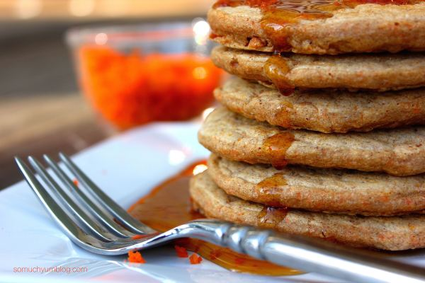 Vegan Carrot Cake Pancakes | So Much Yum