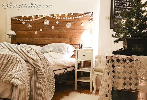 Decorate Your Bedroom For Christmas 1