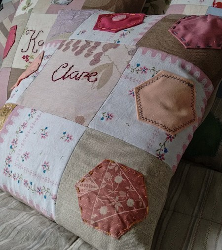 ALT=picture of a cushion