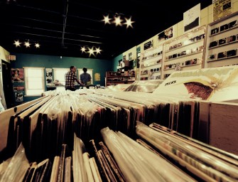 Tesco to sell vinyl from this weekend