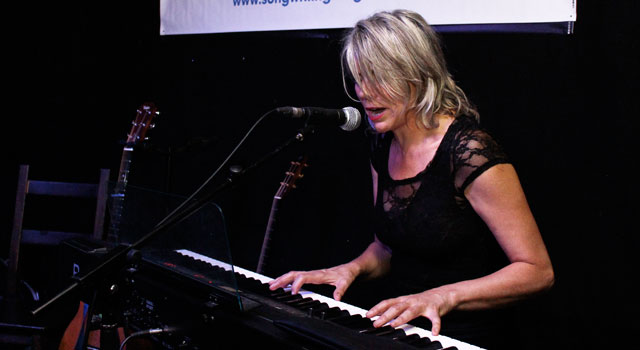 Sarah Ménage – Songwriting Live, Bristol