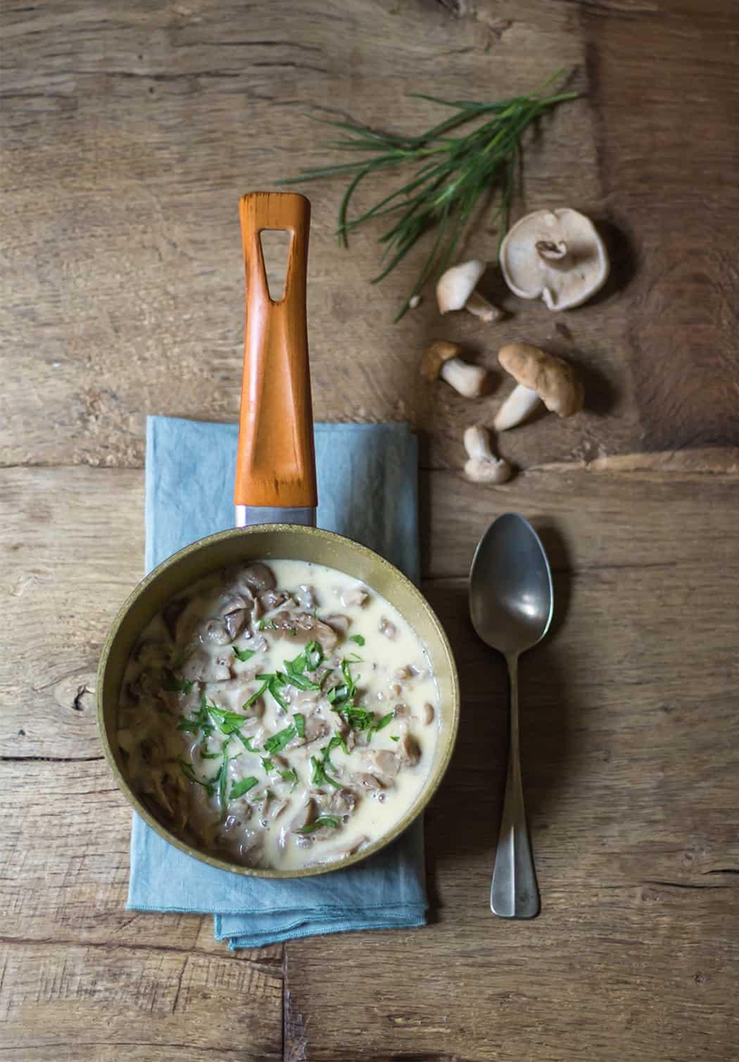 zuppa con prugnoli e prezzemolo