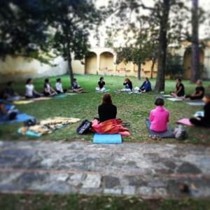 yoga parco campi bisenzio