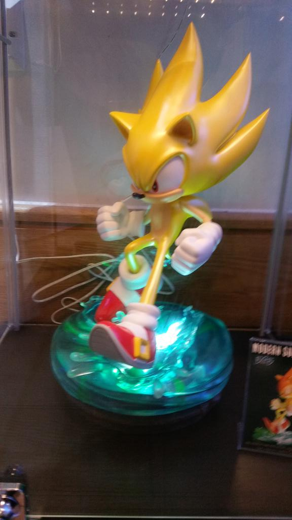 First 4 Figures Modern Super Sonic Statue Announced The