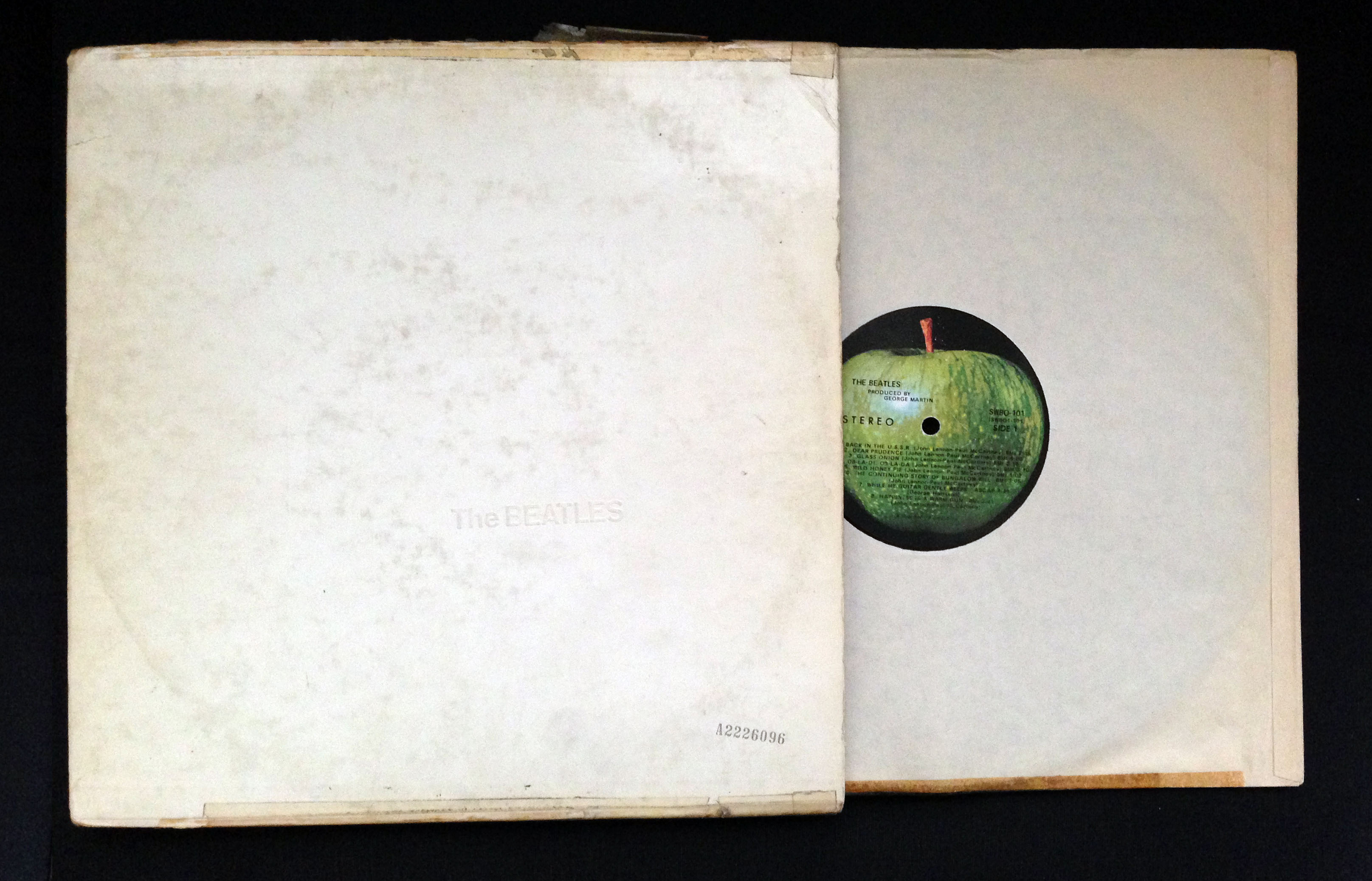 https://i2.wp.com/www.sonicyouth.com/symu/lee/files/2013/02/LRs-White-Album.jpg
