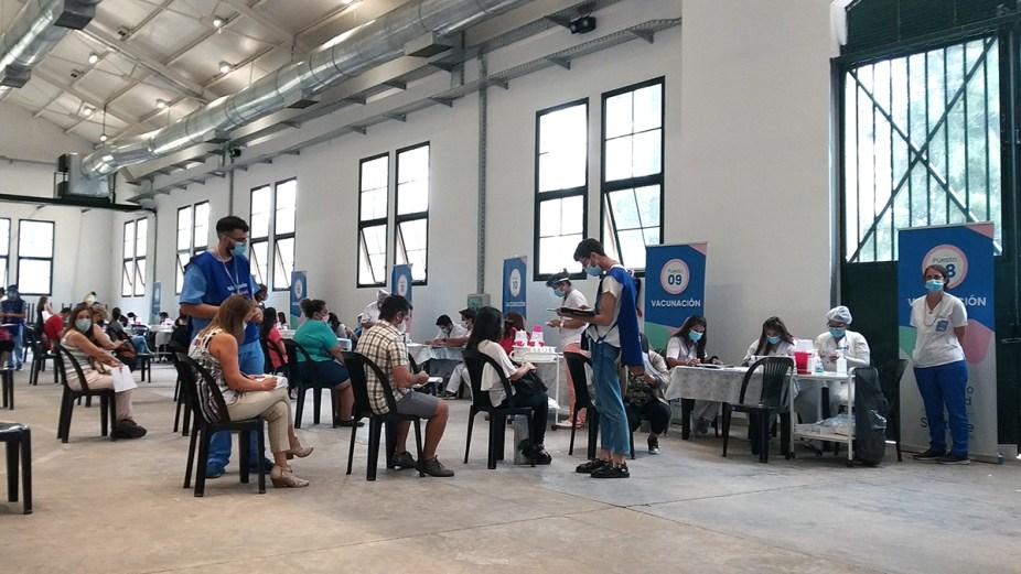 Covid-19 vacunación docentes - Sonidos de Rosario