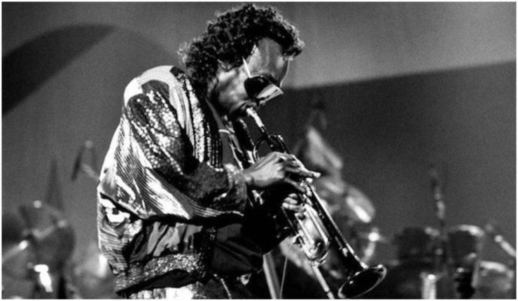 Miles Davis tocando en vivo en 1970