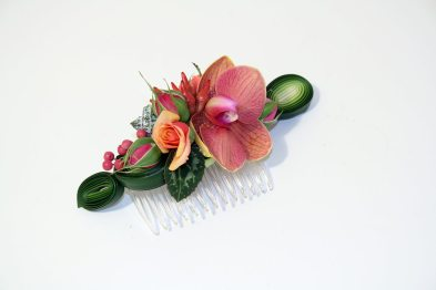 hair comb fresh flowers