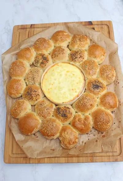Brotkranz mit Ofenkäse ein tolles Dip-Rezeptn