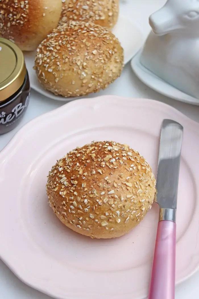Dinkel-Körner-Haferflocken Brötchen mit LieBee Honig
