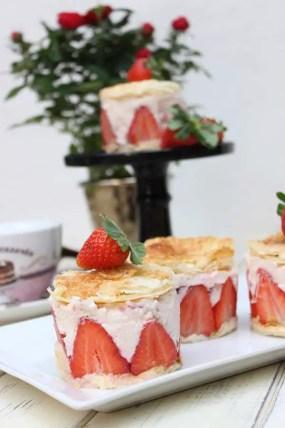 Erdbeer-Holunder-Törtchen