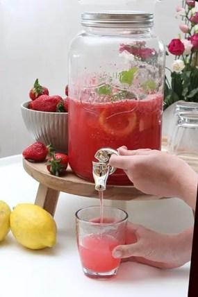Erdbeer-Zitronen-Limonade selbst gemacht ohne Zucker