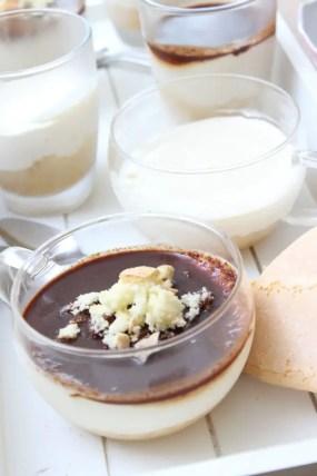 Cheesecake aus dem Glas mit Espressosoße