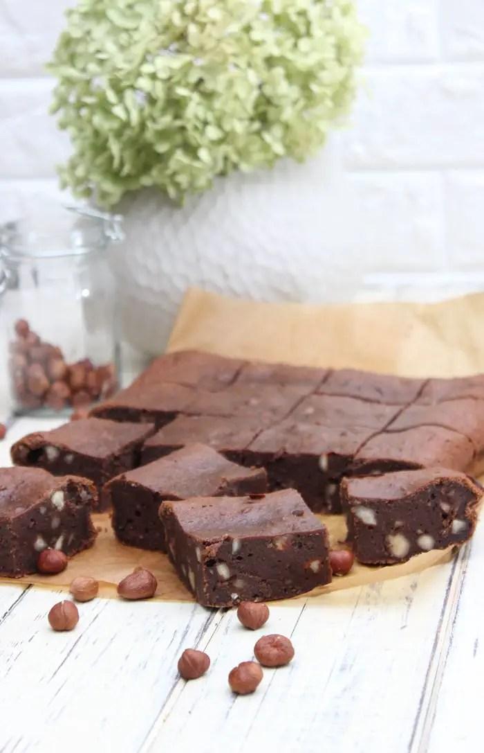 Die besten Haselnuss-Brownies in zwei Varianten | Low Carb und klassisch