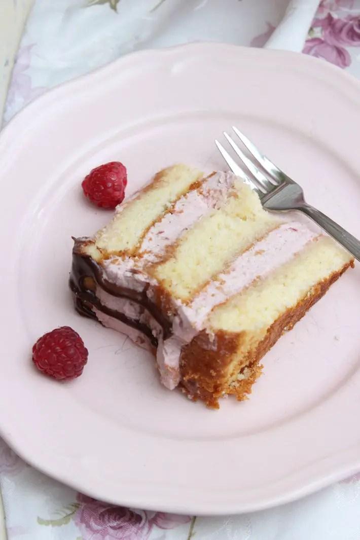 Himbeer-Vanillecreme Torte zum Muttertag