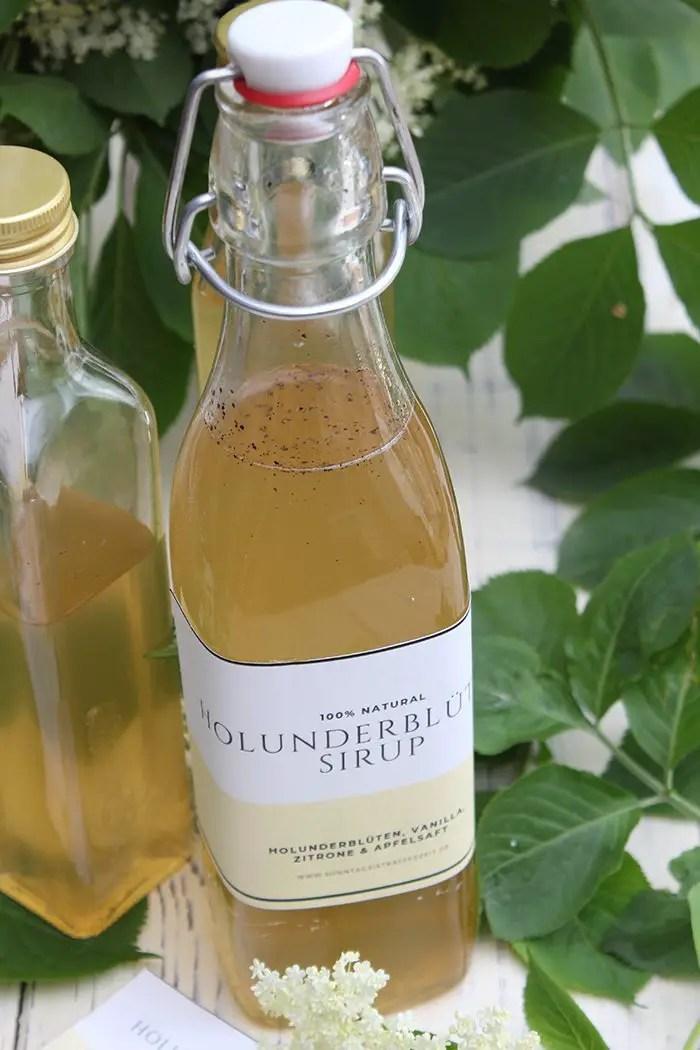 Holunderblütensirup mit Zitrone, Vanille & Apfelsaft - Ideal zum Trinken & Backen