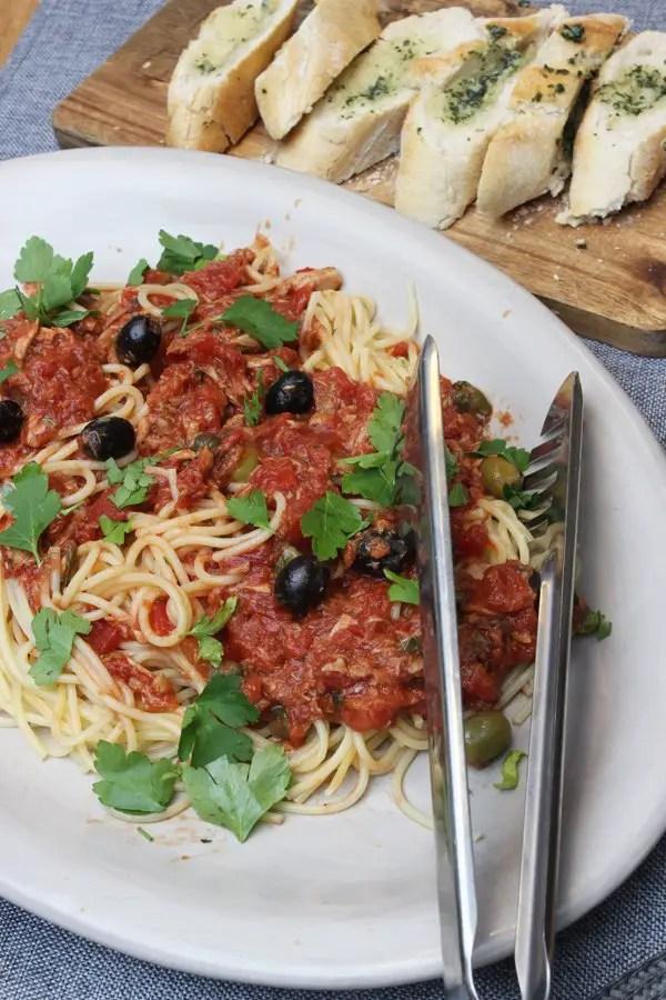 Jamie Oliver 30 Minuten Menü Spaghetti Alla Puttanesca Fenchel