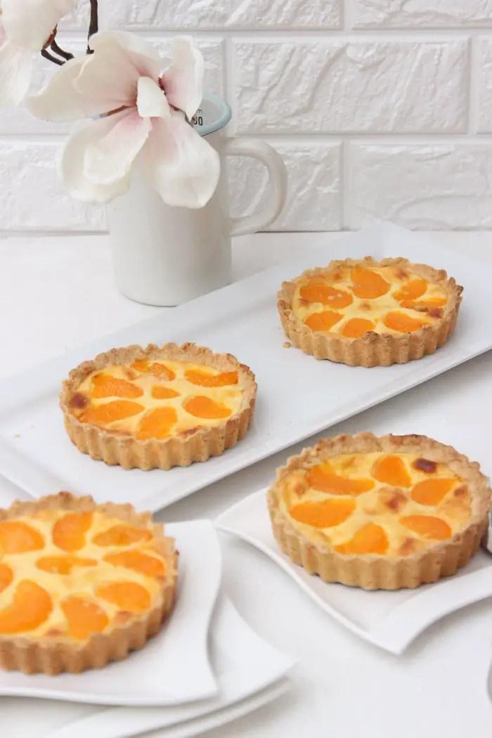Käsekuchen-Tarteletts mit Mandarinen