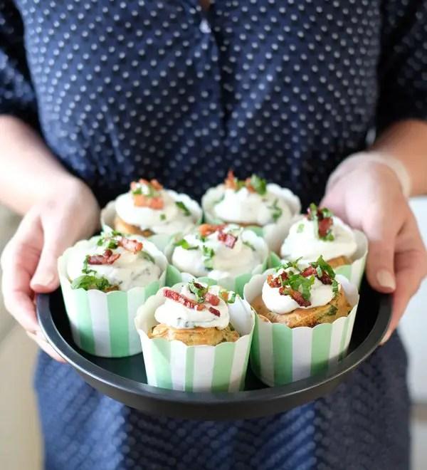 Bärlauch-Bacon Muffins mit Bärlauch Frosting– Mit der Klarstein VitAir Turbo Heißluftfritteuse