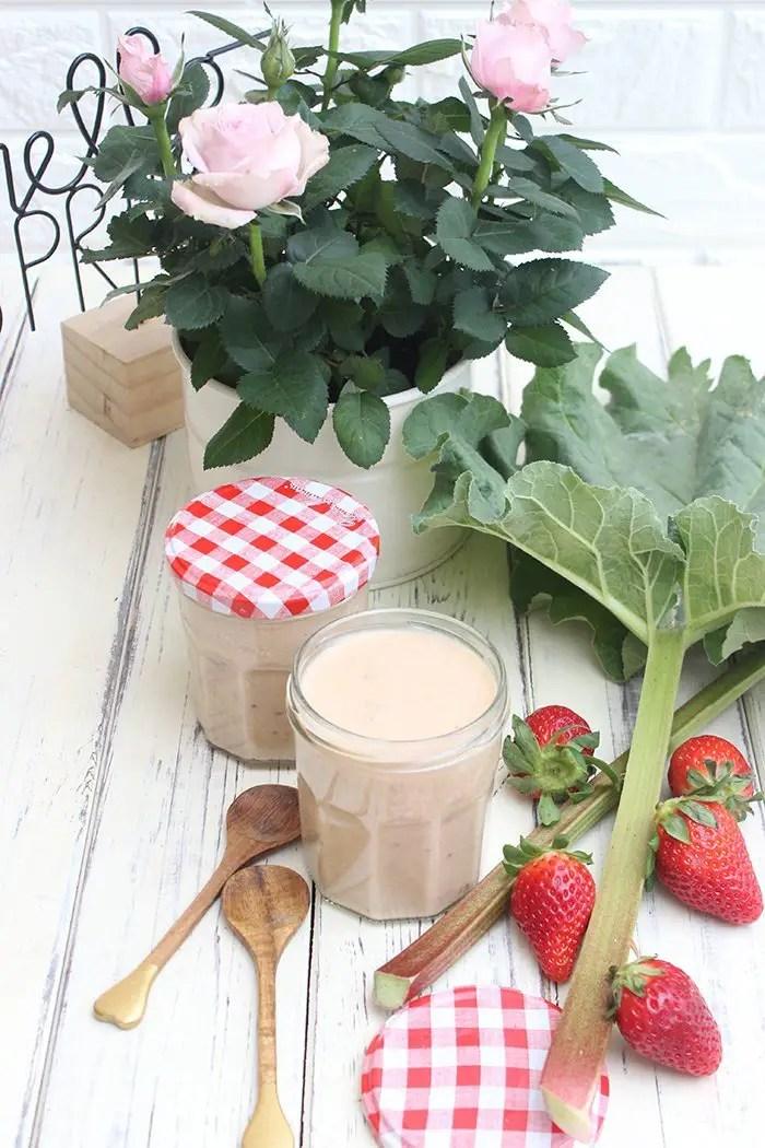 Rhabarber-Erdbeeren Curd