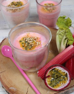 Rhabarbercreme mit Passionsfrucht Dessert