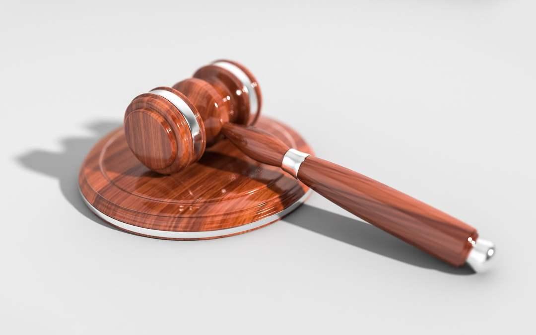 De Jueces y Abogados