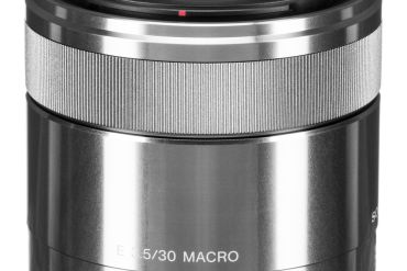 Sony E 30mm f/3.5 Macro Lens Review