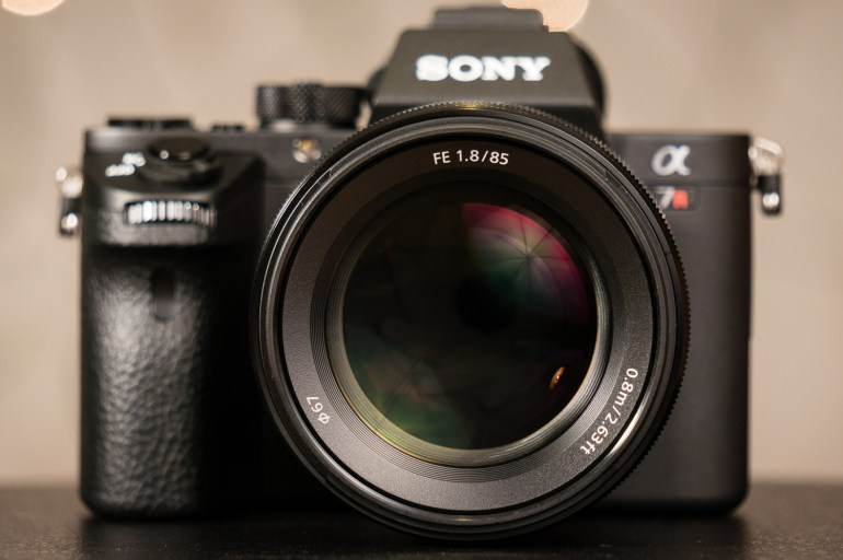 Sony FE 85mm f/1.8 Lens Review