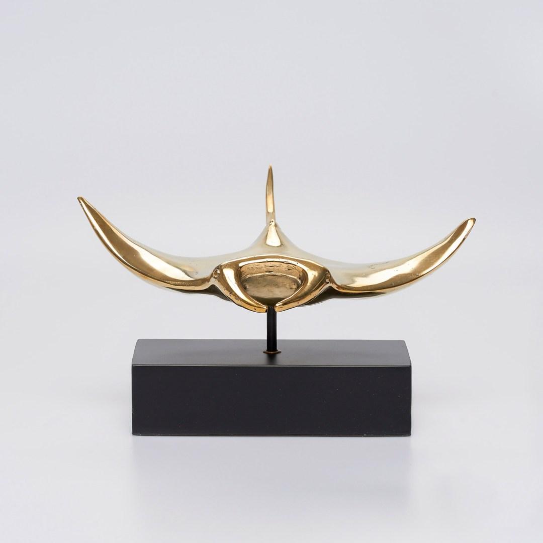 Manta Ray Bronze Sculpture Sooka Interior