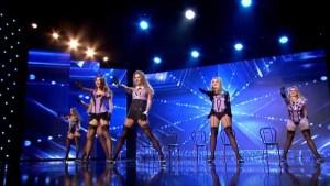"6 Belas mulheres deixam homens a suspirar no ""Romania's Got Talent"""