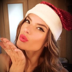 rs_300x300-131220161235-600.Alessandra-Ambrosio-Christmas-Instagram.ms.122013_copy