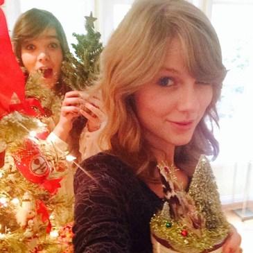 rs_600x600-131220160529-600.Taylor-Swift-Hailee-Steinfeld-Christmas-Instagram.ms.122013