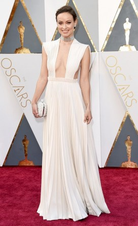 the-oscars-red-carpet-looks-everyone-is-talking-about-1677168-1456703973.640x0c