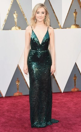 the-oscars-red-carpet-looks-everyone-is-talking-about-1677169-1456703975.640x0c