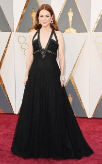 the-oscars-red-carpet-looks-everyone-is-talking-about-1677232-1456707180.640x0c
