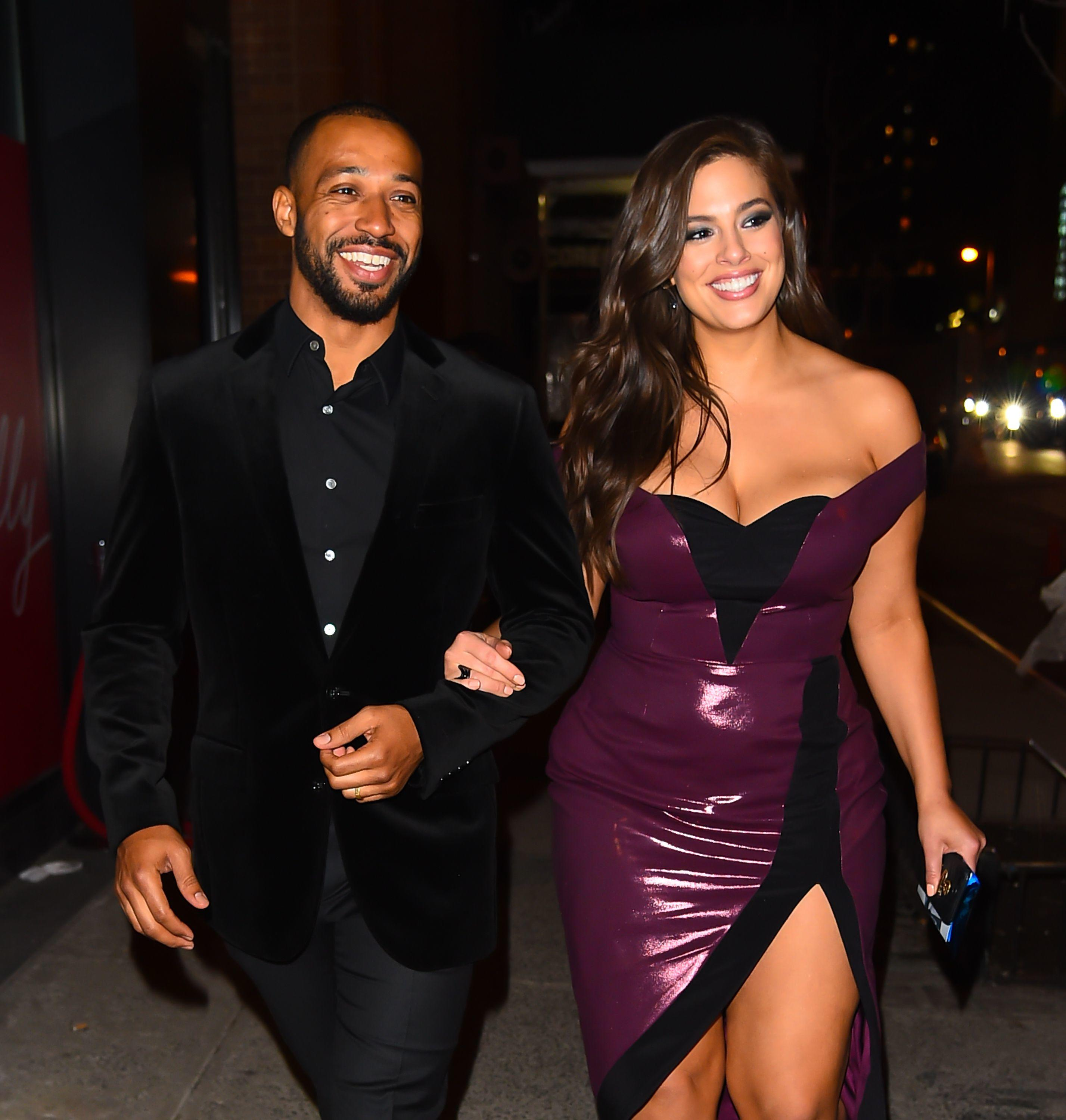 ashley-graham-is-seen-with-husband-justin-ervin-on-january-news-photo-909940194-1538076383