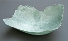 Coupe porcelaine, 37 cm x 17 cm, émail celadon.