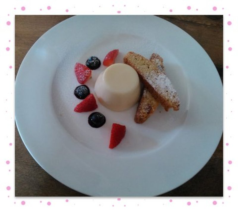 Elderflower pannacotta with pitaschio biscotti
