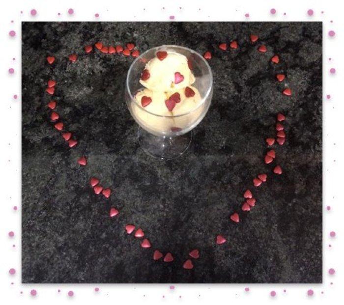 Ice cream in heart framed