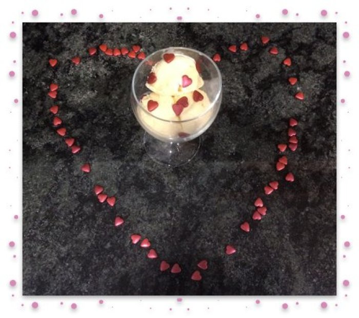 Ice cream in heart framed