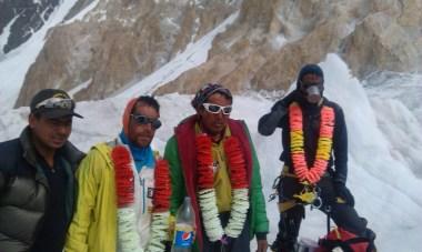 Sherpas arriving BC