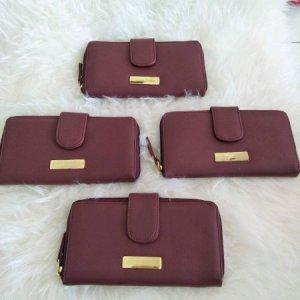 dompet merah marun