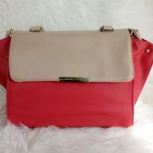 tas merah elegan