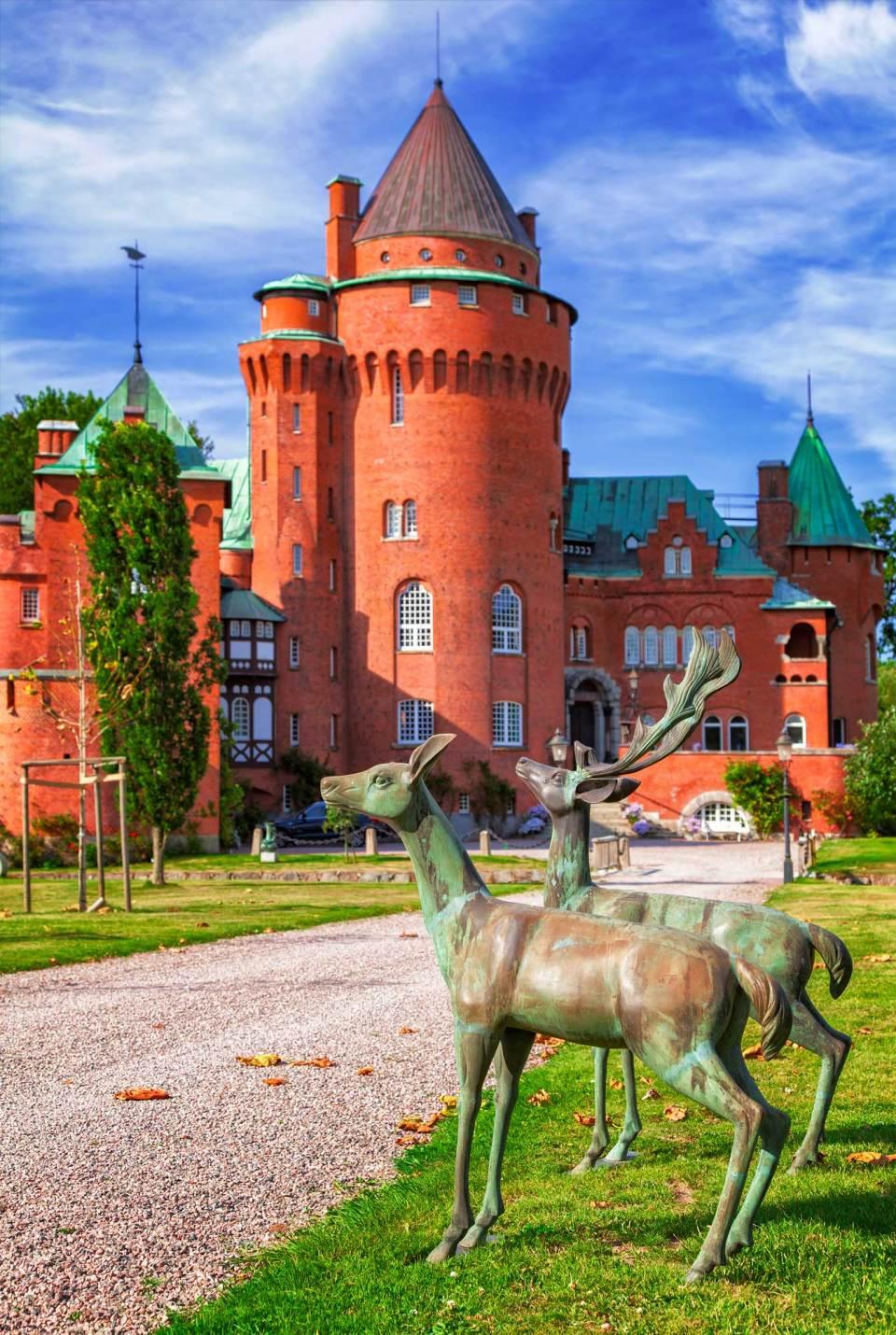 Hjularod-castle-park