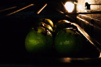 Baked apples with sultanas & cinnamon